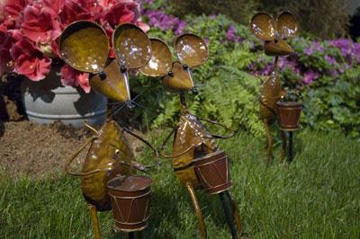 Philadelphia Flower Show 2008 - mouse drummers